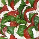 von Caprese - Tomaten, Basilikum, Mozzarella... bei Alleine Kochen ist doof - gemeinsam macht´s mehr Spaß!